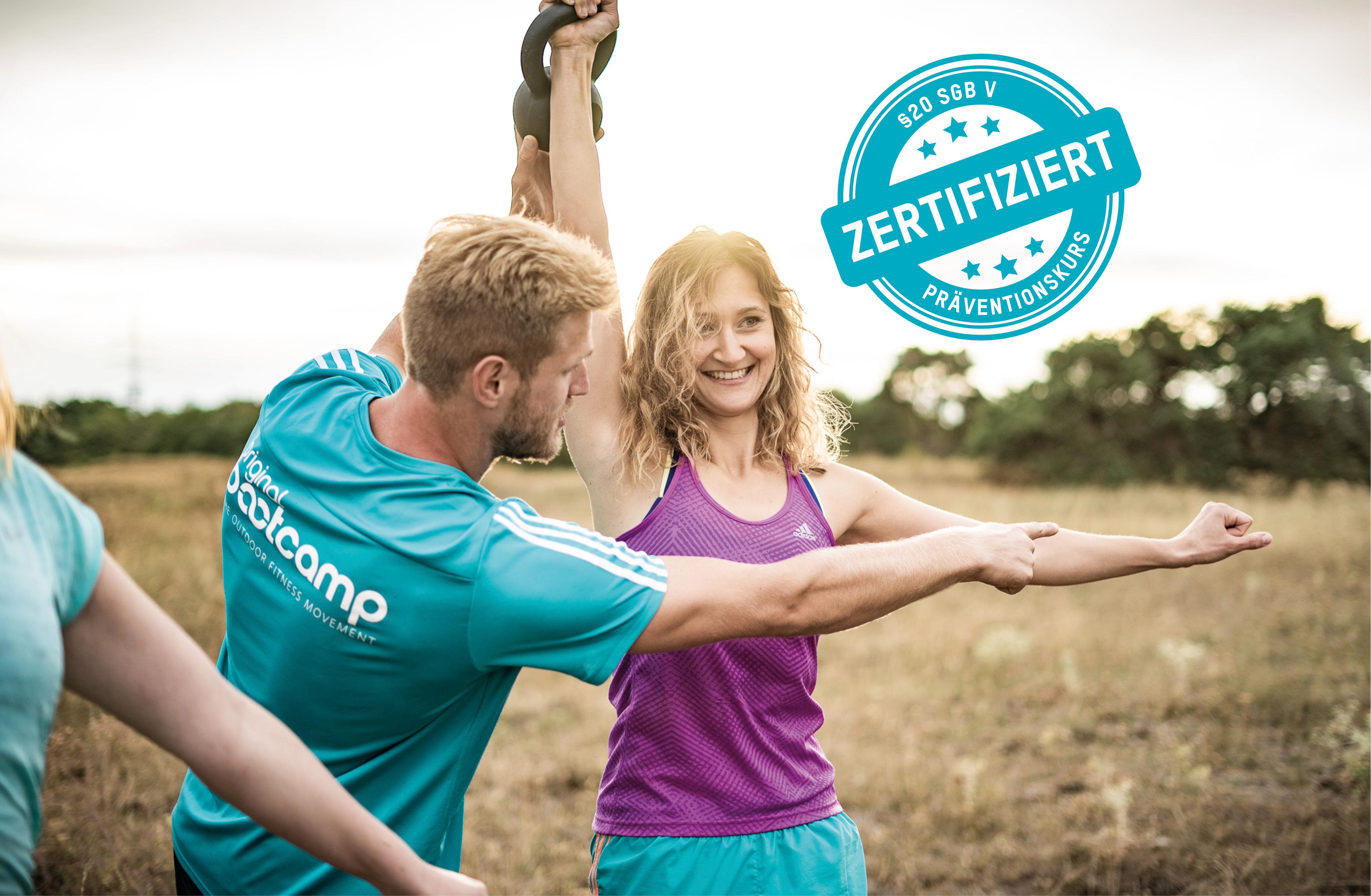 Bootcamp Trainer und Bootie bei einem zertifizierten Präventionskurs