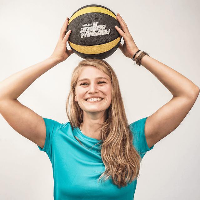Online Fitness Bootcamp mit Personal Trainerin Saskia Erdmann